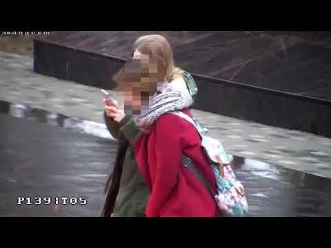 Российские школьницы заплевали Вечный огонь и попали на видео