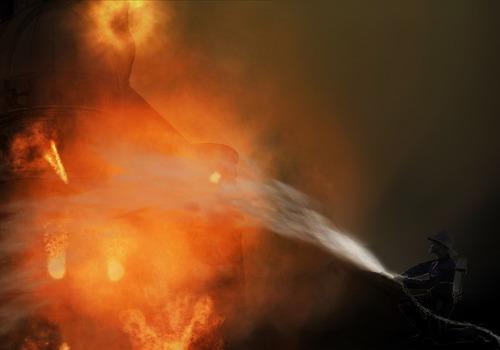 Пассажирский автобус сгорел на трассе в Подмосковье