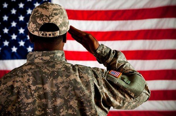 «Я просто поклониться…»: американский военный признался, что заставило его прилететь в РФ