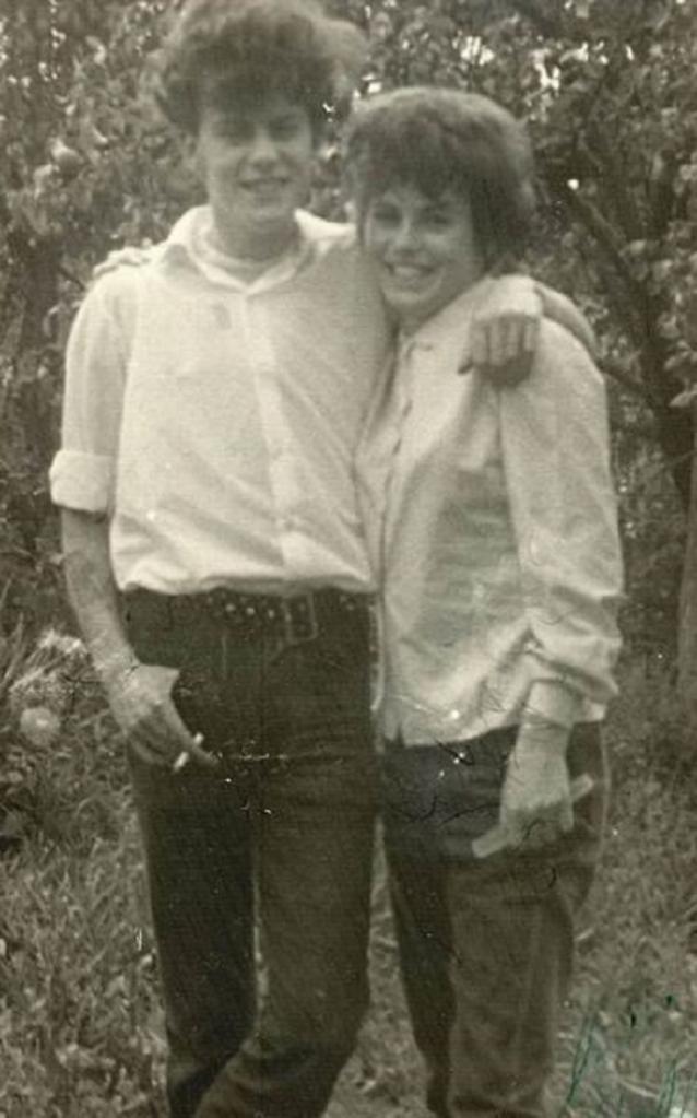 Жестокие родители обманом разлучили юных влюбленных. Они искали друг друга всю жизнь, и только через 40 лет им удалось встретиться