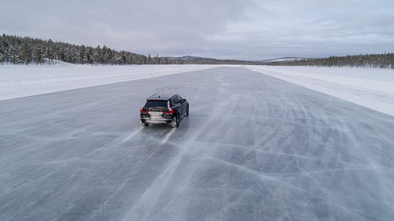 Корреспондент БигПикчи в «Белом аду» — месте в Лапландии, где не бывает простых смертных