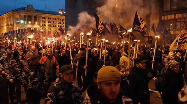 Джинна не загнать в бутылку: Украинские радикалы наступают на киевский режим