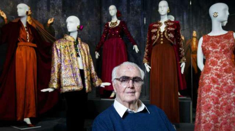На 92-м году жизни во сне умер Юбер де Живанши