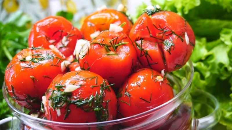 Быстрые закусочные помидоры …