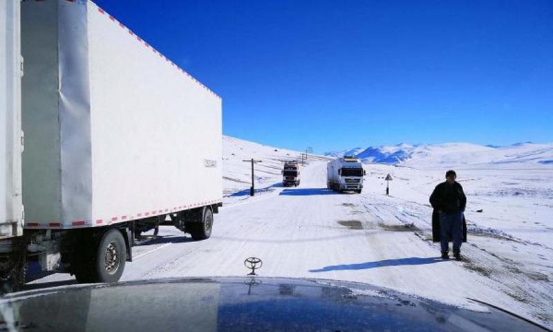 Памирское шоссе: дорога на крыше мира