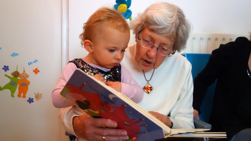 Бабушка, живущая вместе с мо…