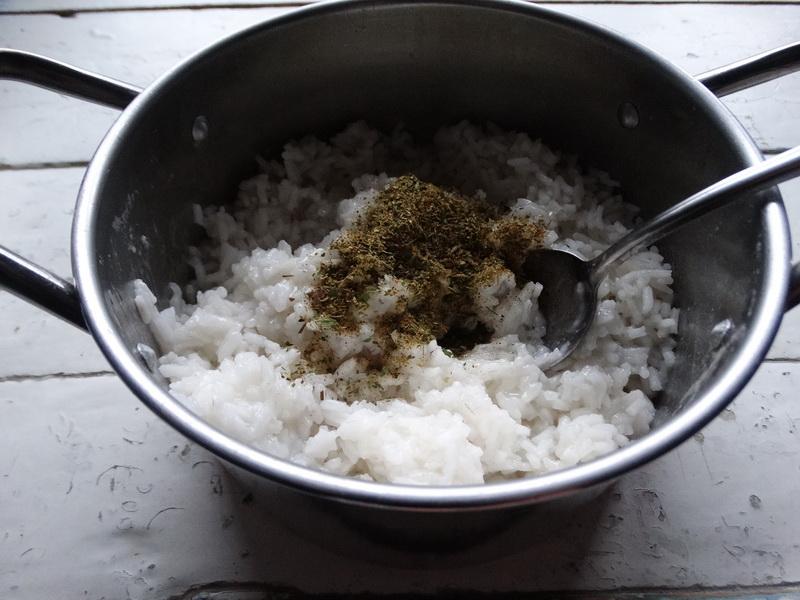 «Курица в рисе» – давно так готовлю: рис получается нежнейший, весь пропитывается жиром курицы, а мясо остаётся сочным