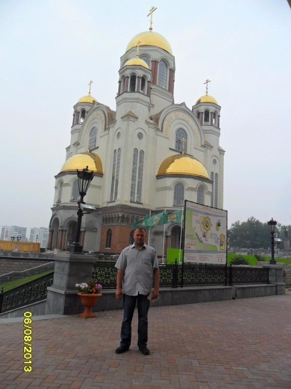 Шариков рассуждает, кому жить в России, а кому уезжать....