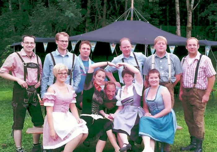 Национальные костюмы в Германии.   Фото: Gds.