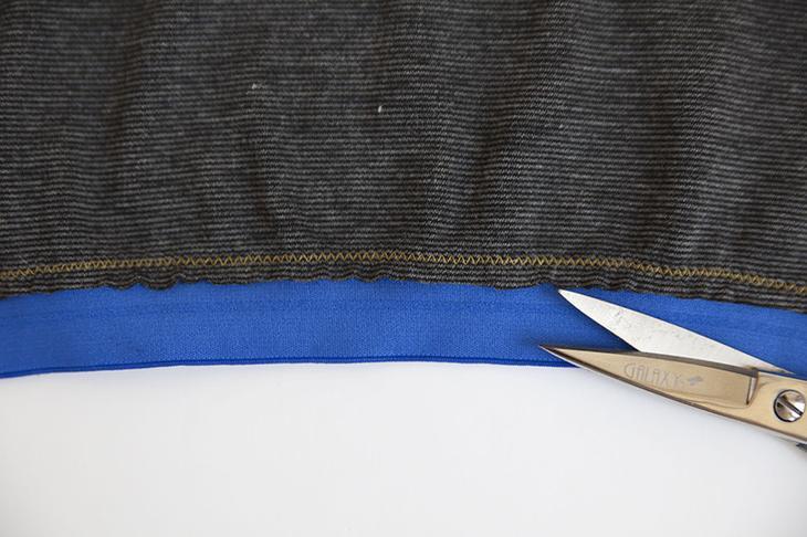 Как пришить эластичную ленту к срезу изделия
