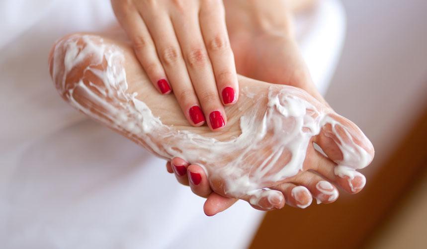 Именно этим можно убирать грибок ногтей навсегда! Простой и копеечный способ ..