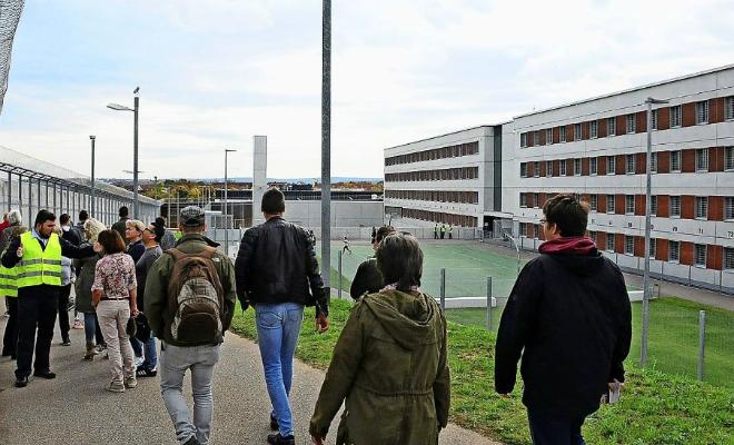 Как сидят в самой охраняемой немецкой тюрьме: больше похоже на санаторий Культура