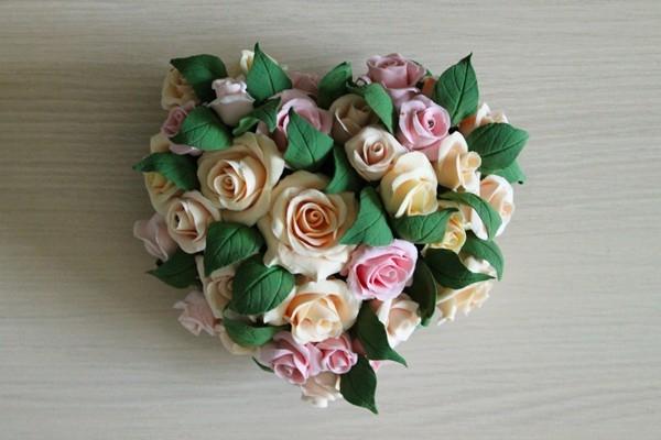 Лепка из полимерной глины: восхитительное сердце из роз (2/2) цветы, проволока, проволоки, цветов, чтобы, просто, цветка, листики, втыкаем, можно, лучше, между, должна, получилось, будет, цветок, букет, проволоку, проволочки, листья