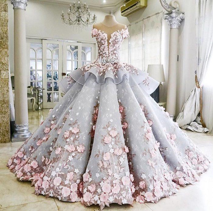 Изумительный торт в виде свадебного платья