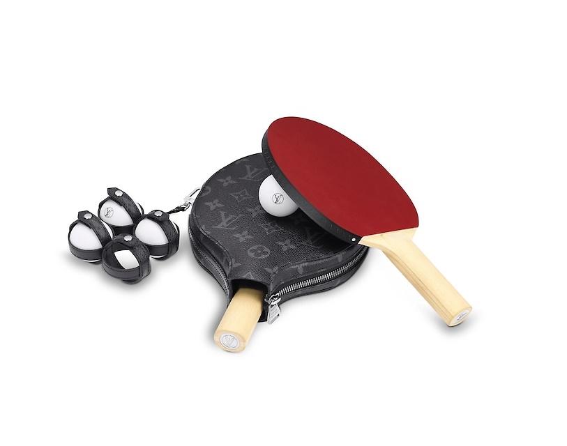 -Луи Виттон- порадовал модных игроков в пинг-понг брендированным чехлом