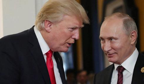 """Перед встречей с Путиным у Трампа нашли """"деньги КГБ"""""""