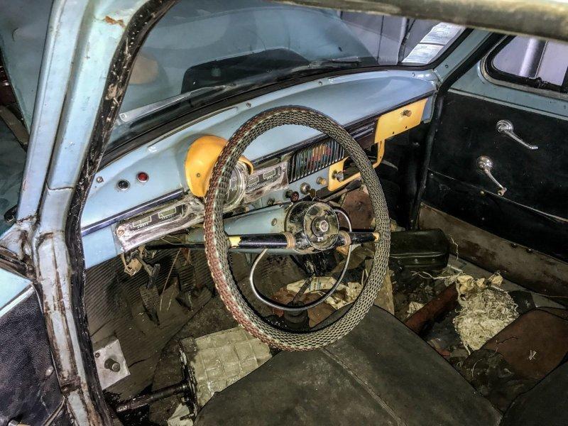 Интерьер, на удивление, вполне комплектный Москвич-430, авто, азлк, москвич, находка, олдтаймер, ретро авто, фургон