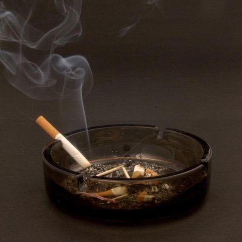 Как избавиться от запаха табака в доме?
