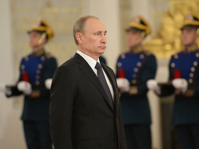 У Путина в плену. Почему его…