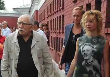 Квартиру Джигарханяна и Цымбалюк-Романовской незаконно захватили мошенники