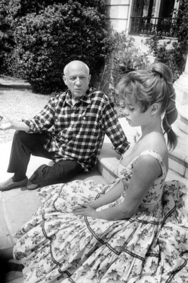 Пабло Пикассо и Брижит Бардо, 1956 год
