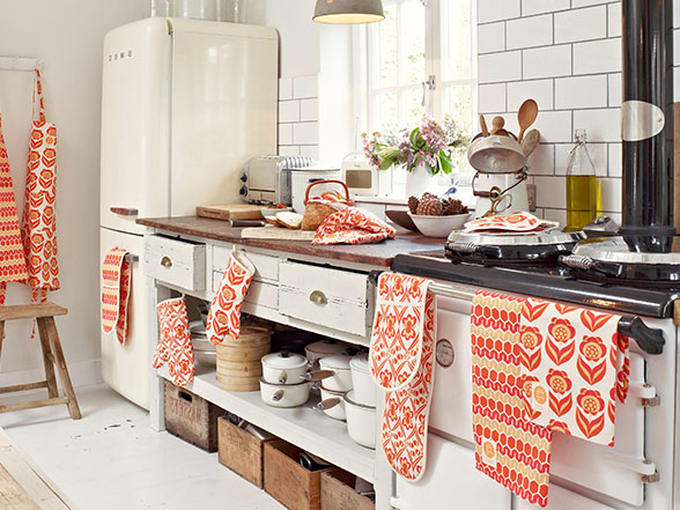 Где повесить полотенце на кухне: 6 ярких идей