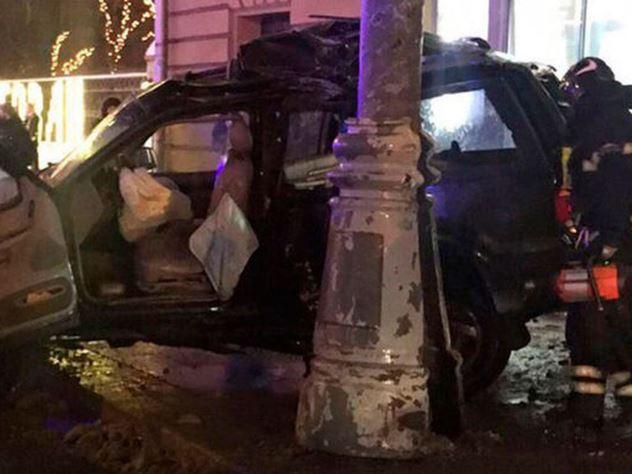 Мужчина во время ДТП вылетел из машины и остался жив