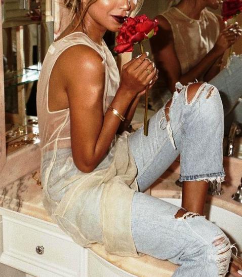 Сногсшибательно — красивые и стильные образы с джинсами на лето 2018