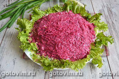 Слоеный салат с блинами «Букет роз», Шаг 07