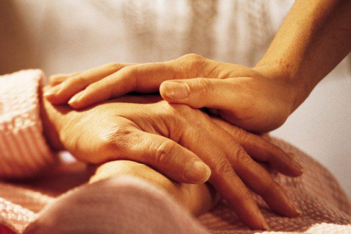 Памятка по общению с тяжело больным близким: чего не стоит делать
