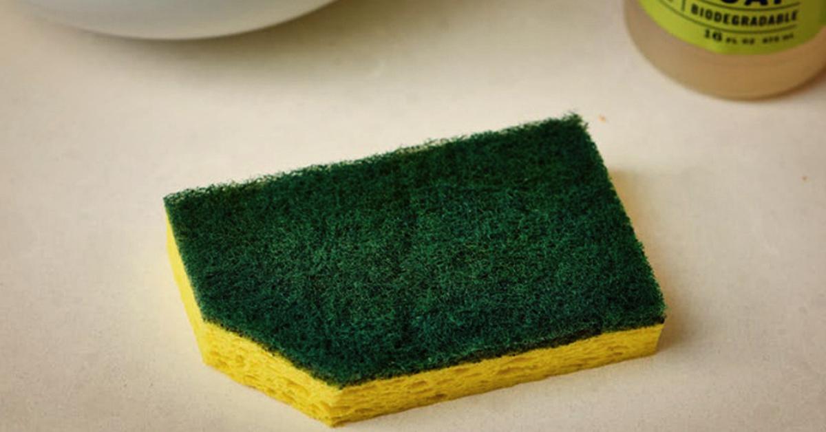 Вот зачем обрезать уголок у посудной губки, и другие кухонные хитрости