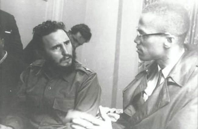 Фидель Кастро и Малкольм Икс обсуждают политику и семью, 1960 год