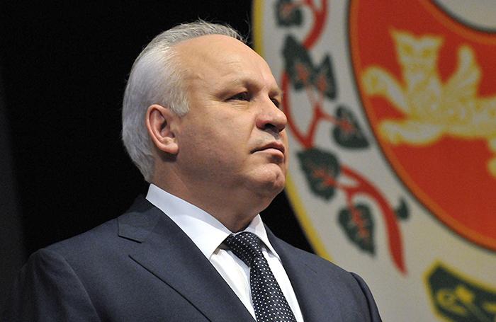 «Он просто развалил Хакасию». Жители региона положительно отнеслись к решению Виктора Зимина покинуть выборы