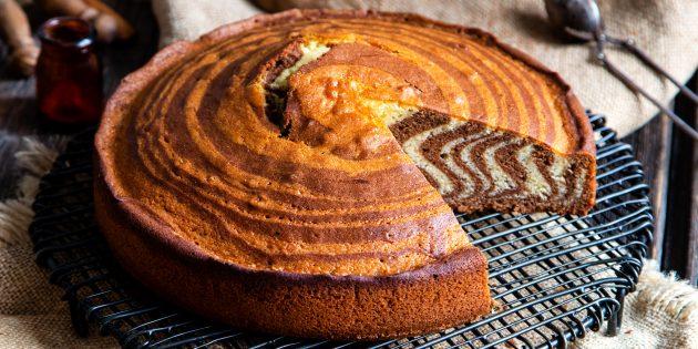 как приготовить пирог «Зебра» на молоке и растительном масле