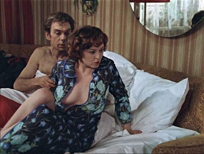 вырезанные эротические кадры из советских фильмов - 4