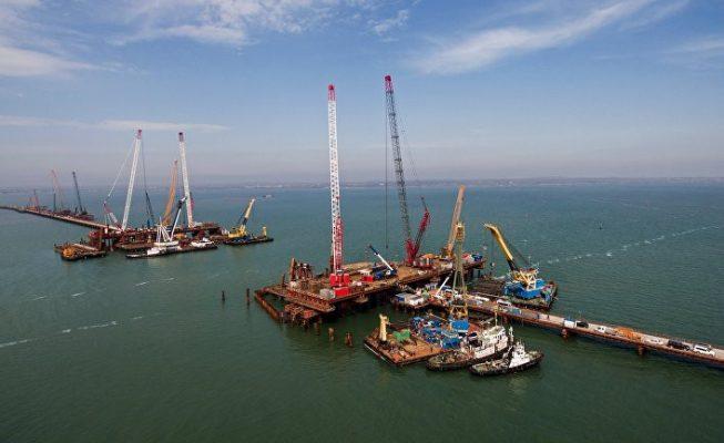 «Подставное» задержание в Азовском море: в Киеве обвинили турецкое судно в намеренной смене курса из-за России