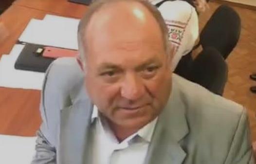 Под Одессой чиновника облили зелёнкой за отказ считать Крым украинским