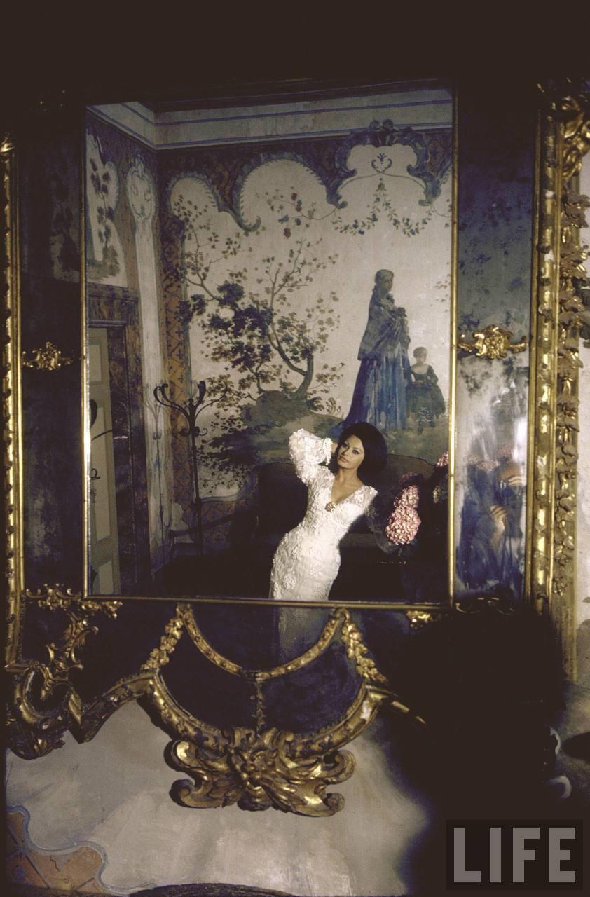 Фотограф Альфред Эйзенштадт: Фото молодой Софи Лорен на шикарной вилле