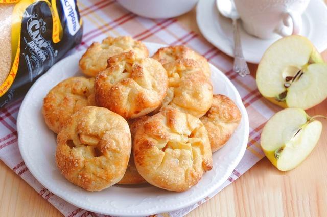 Яблочные узелки - вкусная выпечка к семейному чаепитию