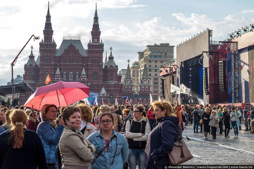Россию наводнили иностранцы — что с этим делать и как пережить?