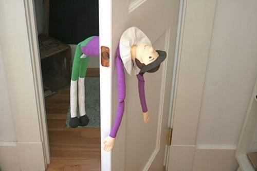 Как сделать дверь в детской  с кукольной ручкой