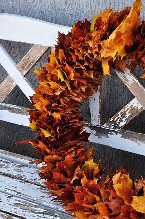 солнце из осенних листьев поделки