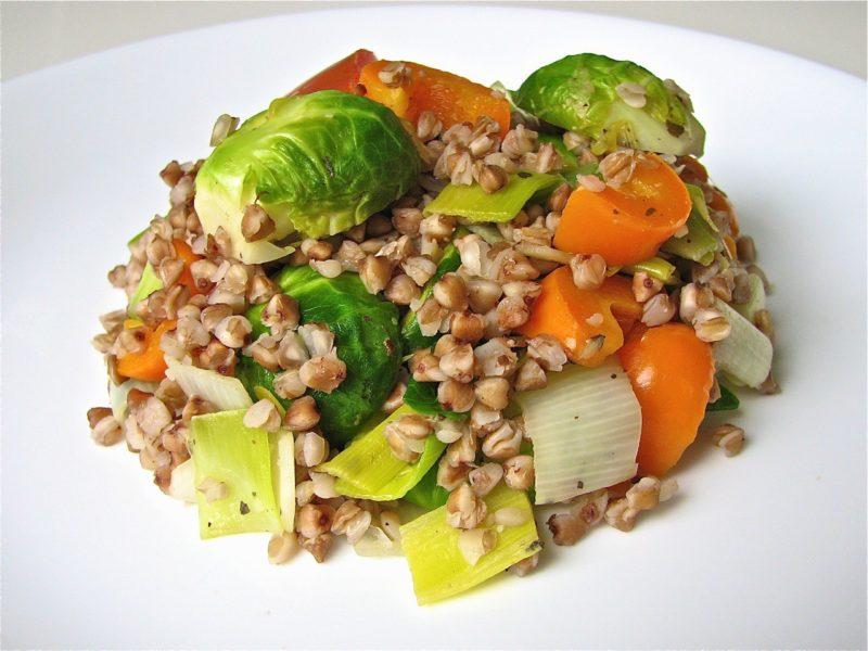 Рагу с гречкой и овощами