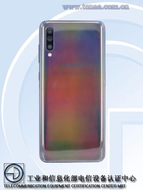 Опубликованы характеристики и фотографии смартфонов Samsung Galaxy A70 и Galaxy A60 новости