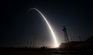 Испытания американской ракет…