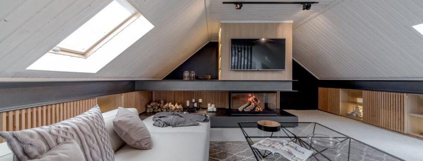 Милый дачный домик с кроватью под крышей