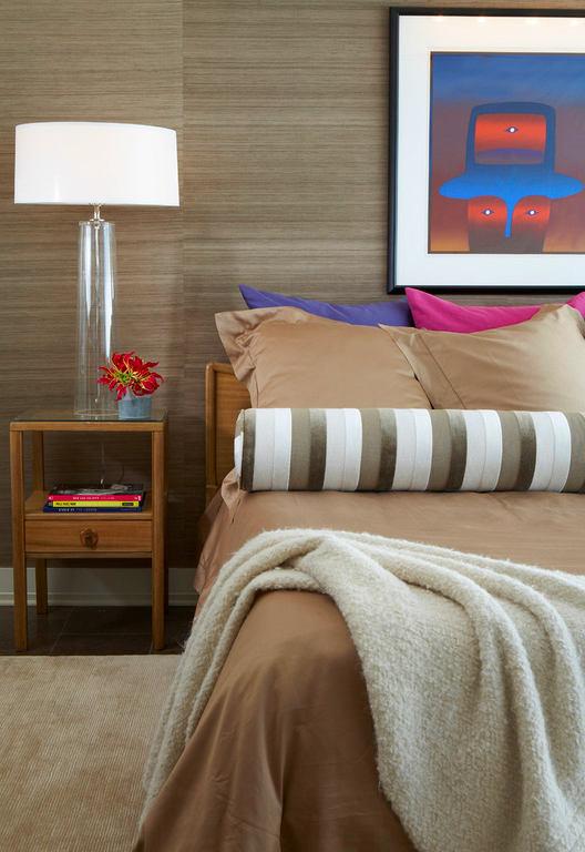 Мебель и предметы интерьера в цветах: черный, серый, светло-серый, коричневый, бежевый. Мебель и предметы интерьера в стиле эклектика.
