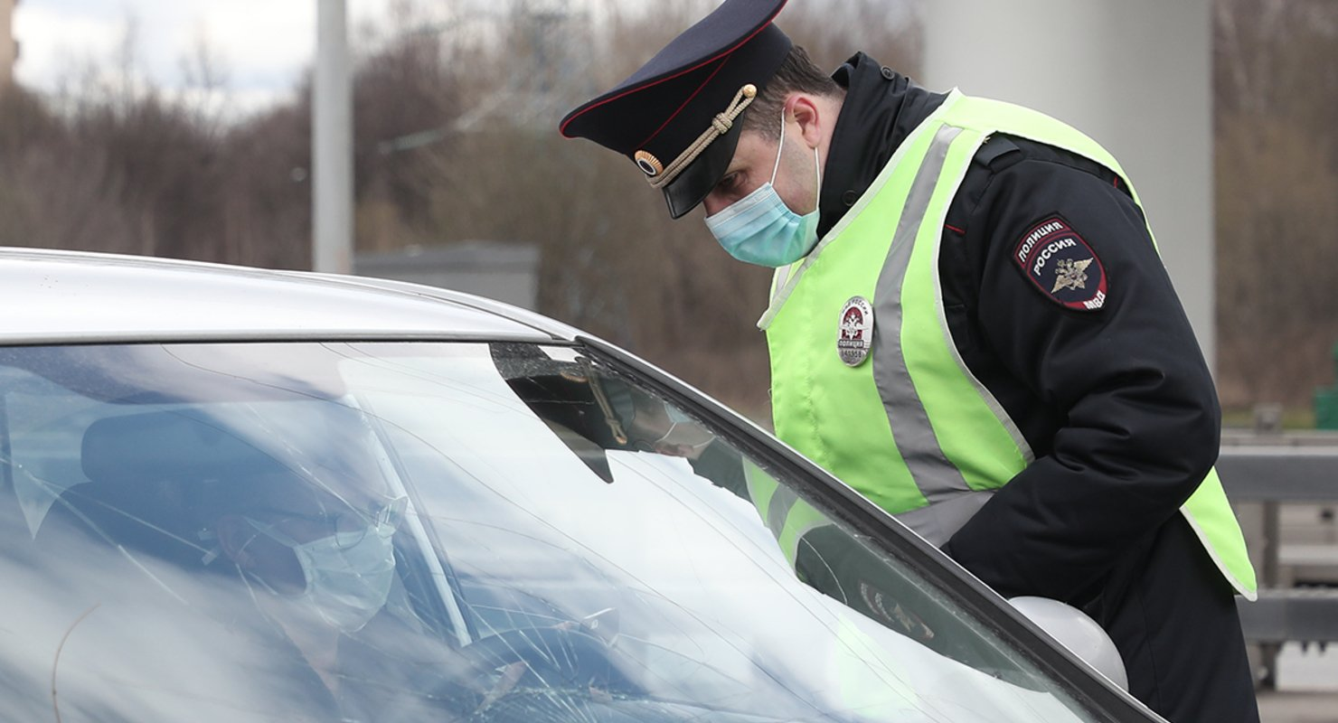 Водителям в России напомнили о штрафах за управление автомобилем без в/у Автомобили