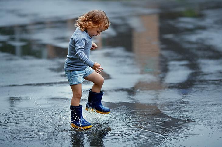 Я против чистых детей на площадке! Все мы родом из детства, давайте не будем это забывать!