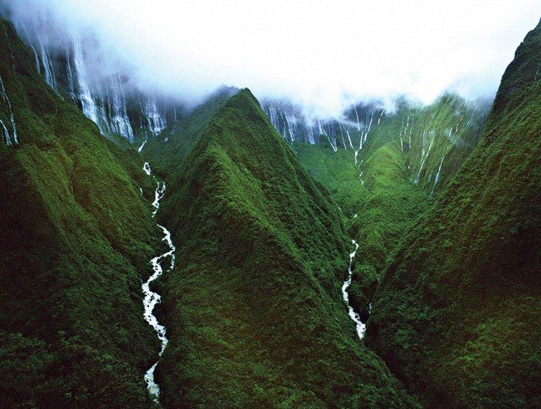 Водопад Хонокохау на острове Мауи